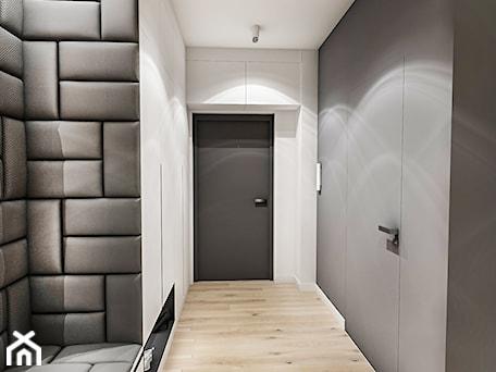 Aranżacje wnętrz - Hol / Przedpokój: Projekt Mieszkania W-wa 2019 - Hol / przedpokój - BIBI. Przeglądaj, dodawaj i zapisuj najlepsze zdjęcia, pomysły i inspiracje designerskie. W bazie mamy już prawie milion fotografii!
