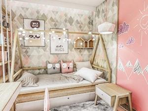 Projekt mieszkania - Gdańsk 2019 r. - Mały szary różowy pokój dziecka dla dziewczynki dla ucznia dla nastolatka, styl vintage - zdjęcie od BIBI