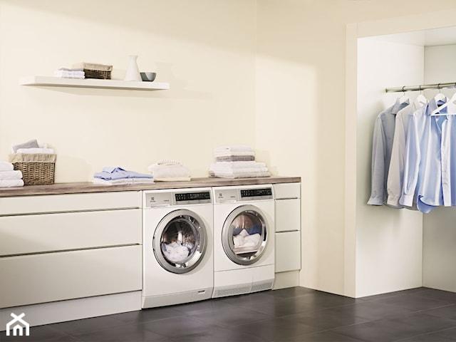 Czyste, gładkie, pachnące,  czyli jak dbać o ubrania w domu