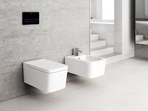 Inspiracje - Mała szara łazienka na poddaszu w bloku w domu jednorodzinnym bez okna - zdjęcie od Roca