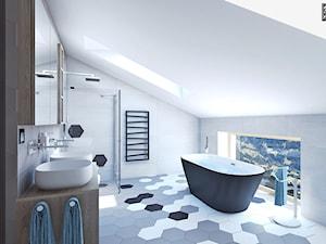 Łazienka dla dzieci pod skosem - Średnia łazienka na poddaszu w domu jednorodzinnym z oknem, styl rustykalny - zdjęcie od APP TRENDY Autorska Pracownia Projektowa