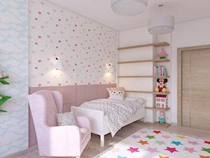pokój małej dziewczynki - Mały biały szary niebieski pokój dziecka dla dziewczynki dla malucha, styl skandynawski - zdjęcie od APP TRENDY Autorska Pracownia Projektowa