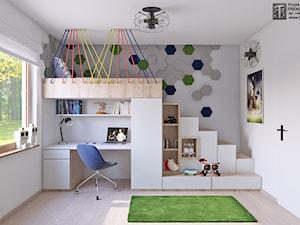pokój chłopca - Średni biały szary pokój dziecka dla chłopca dla dziewczynki dla ucznia dla malucha dla nastolatka, styl skandynawski - zdjęcie od APP TRENDY Autorska Pracownia Projektowa