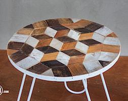 Drewniany+stolik+ze+szpuli+i+skrzynki+-+zdj%C4%99cie+od+PAPA+Timber