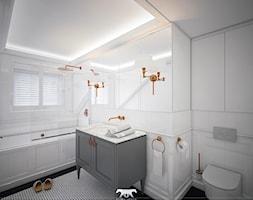 M100 - Duża biała łazienka jako domowe spa z oknem, styl nowojorski - zdjęcie od BLUETARPAN