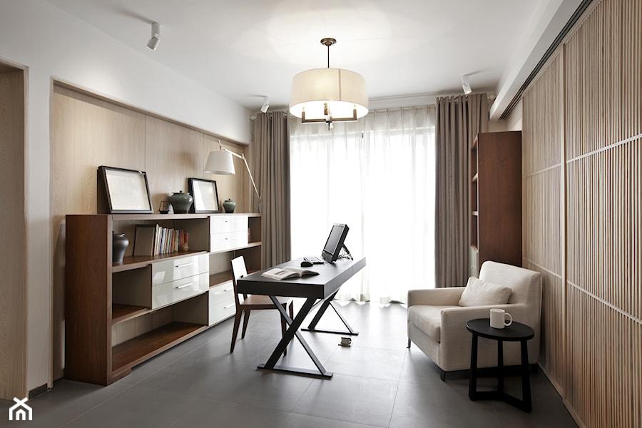 Aranżacje wnętrz - Biuro: Mieszkanie kawalera - Średnie białe biuro kącik do pracy w pokoju, styl nowoczesny - KPstudio. Przeglądaj, dodawaj i zapisuj najlepsze zdjęcia, pomysły i inspiracje designerskie. W bazie mamy już prawie milion fotografii!