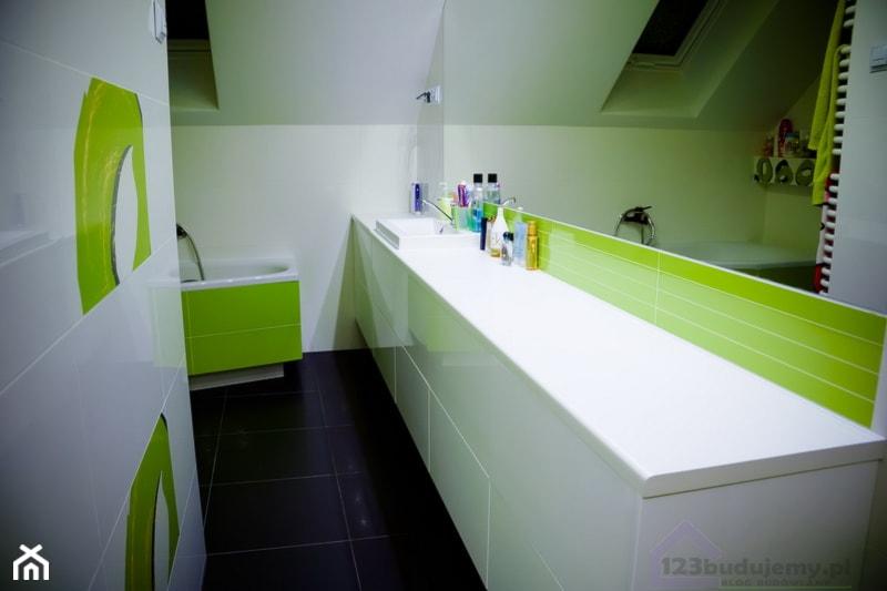 Meble łazienkowe Zielono Biała łazienka Zdjęcie Od