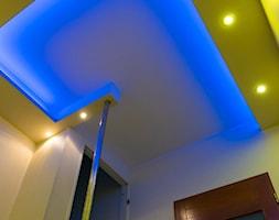półka na suficie gzyms podświetlenie sufitu - zdjęcie od 123budujemy.pl - Homebook
