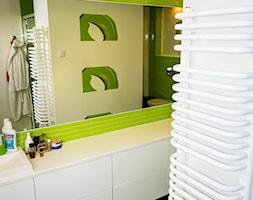 Zielona kasna łązienka - zdjęcie od 123budujemy.pl - Homebook