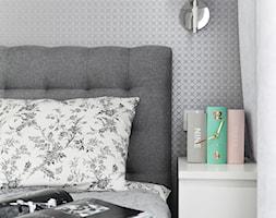 Monochromatyczna sypialnia - Sypialnia, styl minimalistyczny - zdjęcie od MANEKINEKO - Homebook