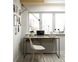 Aranżacja mebli twardych - Małe białe biuro kącik do pracy, styl industrialny - zdjęcie od Foto-Meble