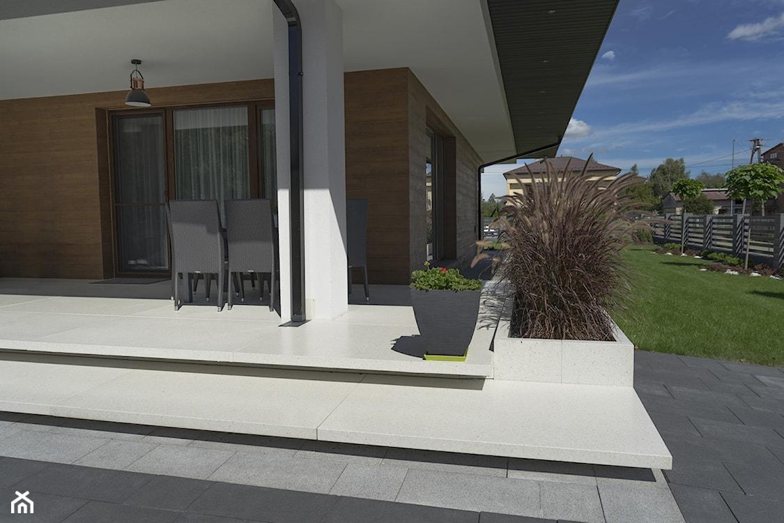 tradycyjny taras, beton na tarasie
