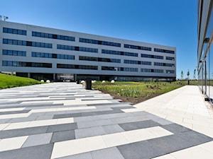 Otoczenie kompleksu biurowego DOT Office