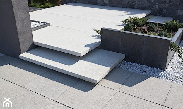stopnie schodowe, beton na tarasie