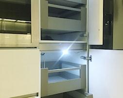 Projekt Kuchni Black&White 12m2 - Gdynia Orłowo - Kuchnia, styl nowoczesny - zdjęcie od GoHome - Homebook