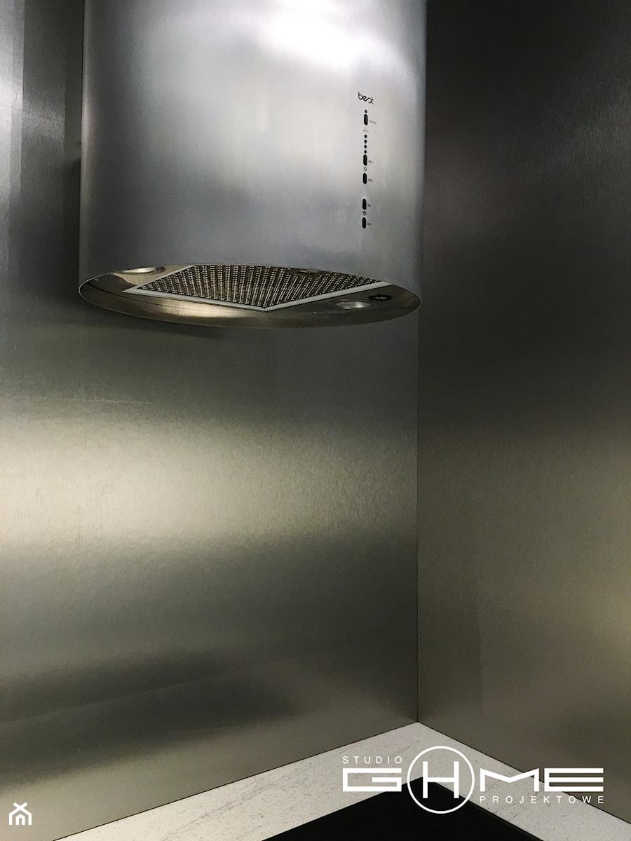 Projekt Kuchni Black&White 12m2 - Gdynia Orłowo - Kuchnia, styl nowoczesny - zdjęcie od GoHome