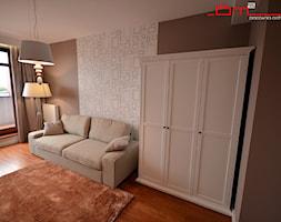apartament 140m2 - Średni biały brązowy pokój dziecka dla dziewczynki dla nastolatka, styl klasyczny - zdjęcie od bm2 brzostek maciej