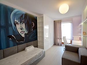 czarno- biały apartament 125m2 - Średni beżowy pastelowy różowy niebieski czarny pokój dziecka dla dziewczynki dla nastolatka, styl nowoczesny - zdjęcie od bm2 brzostek maciej