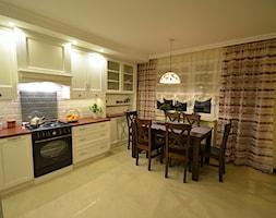 mieszkanie 90m2 - Duża zamknięta beżowa kuchnia jednorzędowa, styl prowansalski - zdjęcie od bm2 brzostek maciej