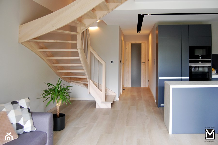 Drewniane schody - zdjęcie od jaminska.pl