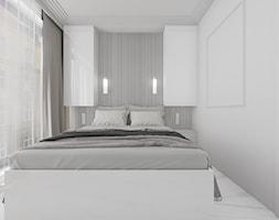 Jasna+sypialnia+z+wysokimi+oknami+i+zabudow%C4%85+na+wymiar+-+zdj%C4%99cie+od+OHHOME.ME