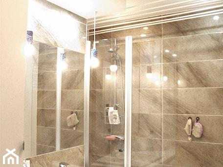 Aranżacje wnętrz - Łazienka: łazienka po metamorfozie - dopracownia architektoniczna. Przeglądaj, dodawaj i zapisuj najlepsze zdjęcia, pomysły i inspiracje designerskie. W bazie mamy już prawie milion fotografii!