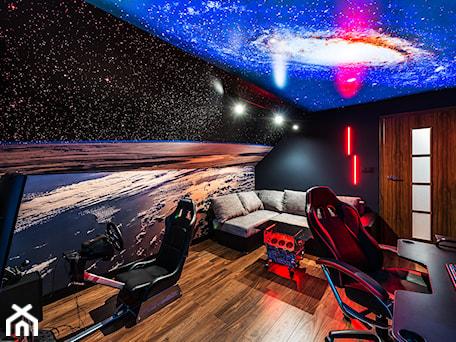Space Room - Średnie czarne kolorowe biuro domowe kącik do pracy na poddaszu w pokoju - zdjęcie od Pracownia Projektowa Decoretti - Agata Jachimowicz