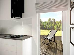 Dom w Gdyni - Mała zamknięta biała kuchnia w kształcie litery l z oknem, styl tradycyjny - zdjęcie od Pracownia Projektowa Decoretti - Agata Jachimowicz