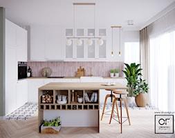 Boho mieszkanie w Warszawie - Średnia otwarta biała fioletowa kuchnia w kształcie litery l z wyspą z oknem, styl skandynawski - zdjęcie od O.Fiedorowicz