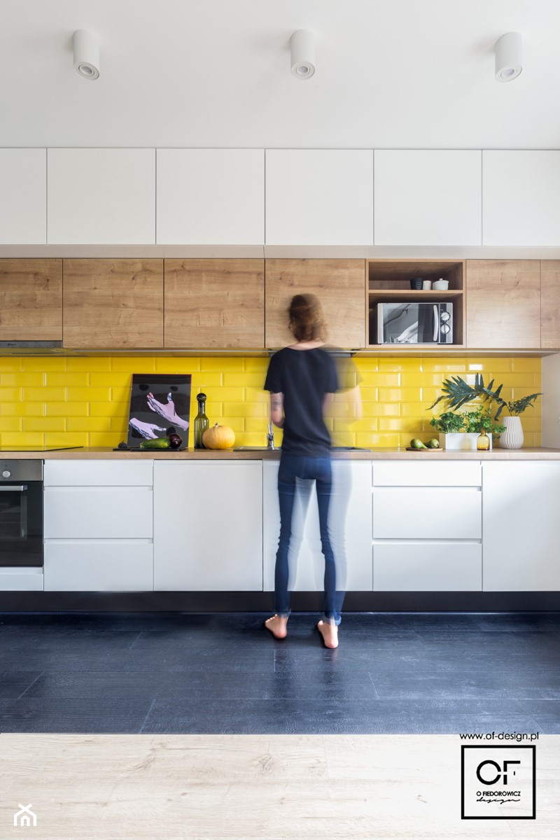Projekt wnętrza z deską paloną - Mała zamknięta szara kuchnia jednorzędowa, styl nowoczesny - zdjęcie od O.Fiedorowicz