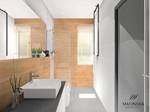 Dom jednorodzinny w Garbach koło Poznania - Mała brązowa szara łazienka na poddaszu w bloku w domu jednorodzinnym z oknem, styl nowoczesny - zdjęcie od MACIŃSKA ARCHITEKCI