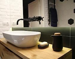 Moje Pierwsze M - 53.5 m2 - Sląsk - Średnia biała łazienka w bloku w domu jednorodzinnym, styl eklektyczny - zdjęcie od Grzegorz - Mały Inwestor