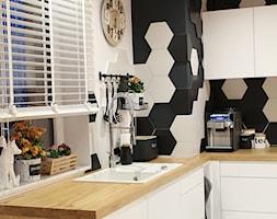 Moje Pierwsze M - 53.5 m2 - Sląsk - Średnia otwarta kuchnia w kształcie litery l w aneksie, styl eklektyczny - zdjęcie od Grzegorz - Mały Inwestor