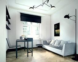 Luksusowy apartament w kamienicy - Średnie białe biuro domowe kącik do pracy w pokoju, styl klasyczny - zdjęcie od Boho Studio - Homebook