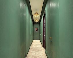 Luksusowy apartament w kamienicy - Duży zielony hol / przedpokój, styl eklektyczny - zdjęcie od Boho Studio - Homebook