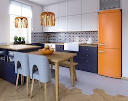 Mieszkanie dla artystów - Średnia otwarta wąska biała kuchnia dwurzędowa z oknem, styl eklektyczny - zdjęcie od Boho Studio - Homebook