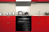 kuchnia z czerwonymi frontami w kuchni