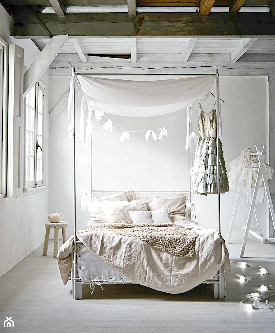 Jak Stworzyć Romantyczną Sypialnię Z Baldachimem Zdjęcie