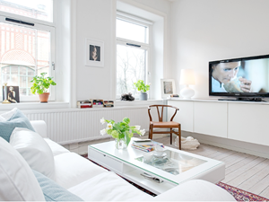 Biała szafka / kredens pod telewizor