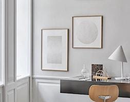 Geometryczny Organizer Biurowy - Design Kristina Krogh - Małe szare biuro kącik do pracy, styl nowo ... - zdjęcie od cleo-inspire - Homebook