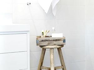 Organizacja i stylizacja w łazience. Dekoracyjne pojemniki do łazienki.
