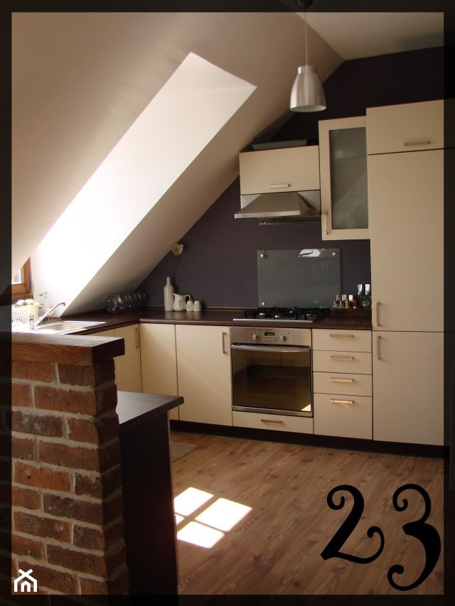 kuchnia pod skosem  zdjęcie od 23 -> Mala Kuchnia Ze Skosem