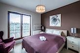 kolor fioletowy w sypialni