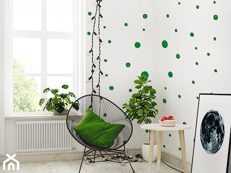 Aranżacje wnętrz - Pokój dziecka: Tapeta dla dziecka w zielone Kropki - info@humptydumpty.com.pl. Przeglądaj, dodawaj i zapisuj najlepsze zdjęcia, pomysły i inspiracje designerskie. W bazie mamy już prawie milion fotografii!