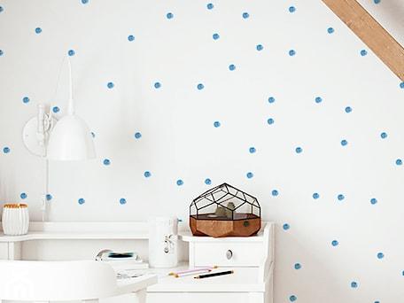 Aranżacje wnętrz - Pokój dziecka: Tapeta dla dzieci w kropki - info@humptydumpty.com.pl. Przeglądaj, dodawaj i zapisuj najlepsze zdjęcia, pomysły i inspiracje designerskie. W bazie mamy już prawie milion fotografii!