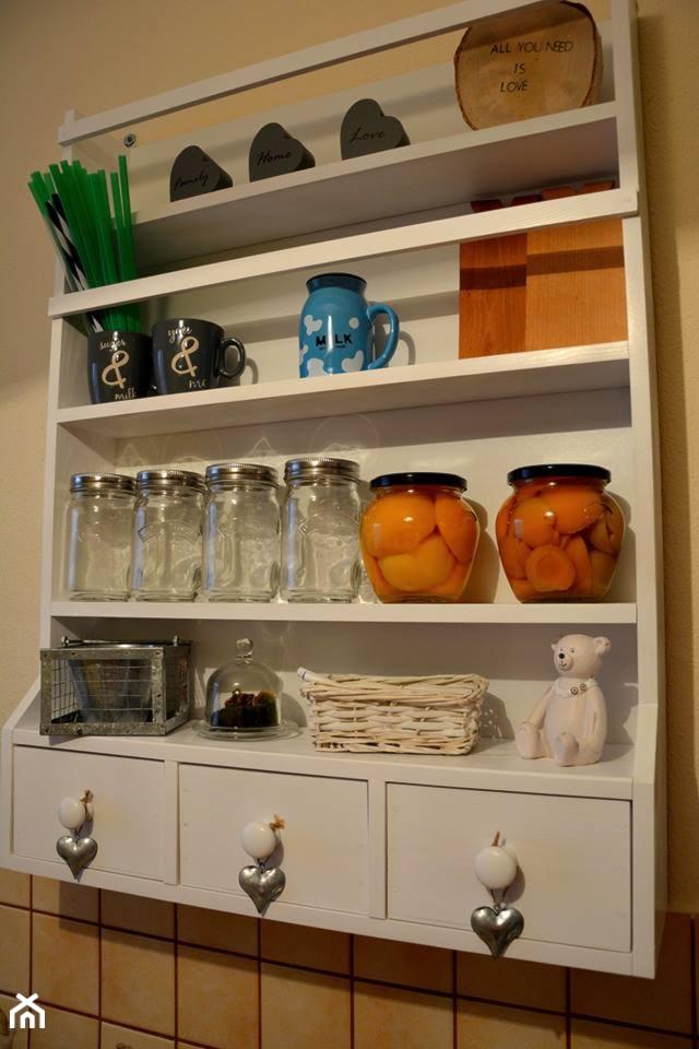 Drewniana Półka Do Kuchni Na Przyprawy Zdjęcie Od Artjus88