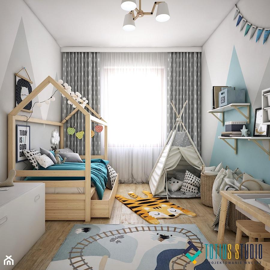 Skandynawski dom z nutą minimalizmu - Średni biały szary pokój dziecka dla chłopca dla dziewczynki dla malucha, styl skandynawski - zdjęcie od Totius Studio