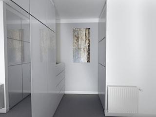 Mieszkanie w czerni, bieli i drewnie
