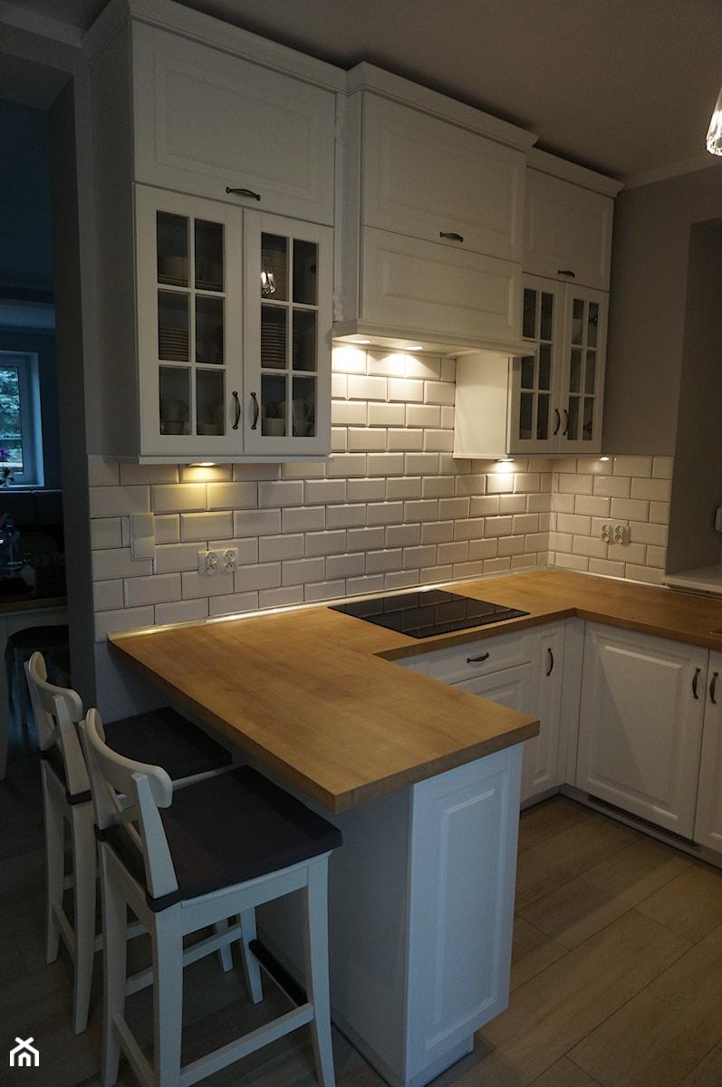 Kuchnia urządzona w stylu skandynawskim  zdjęcie od FILMAR meble -> Kuchnia W Bloku W Stylu Skandynawskim