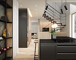 PROJEKT W17 etap I - Mała otwarta szara kuchnia jednorzędowa z wyspą z oknem - zdjęcie od SYMETRIA | pracownia architektury - Homebook